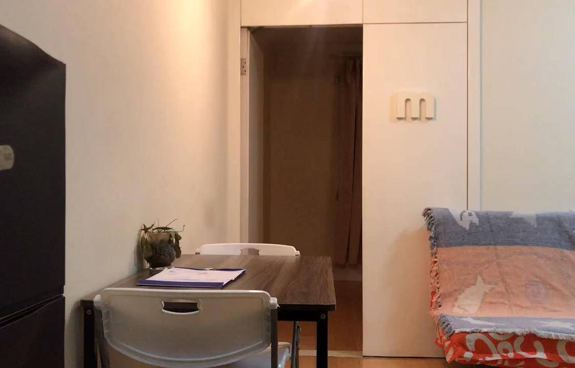稀有一房一厅户型 不限购,可贷款!有燃气!带阳台,地铁口!