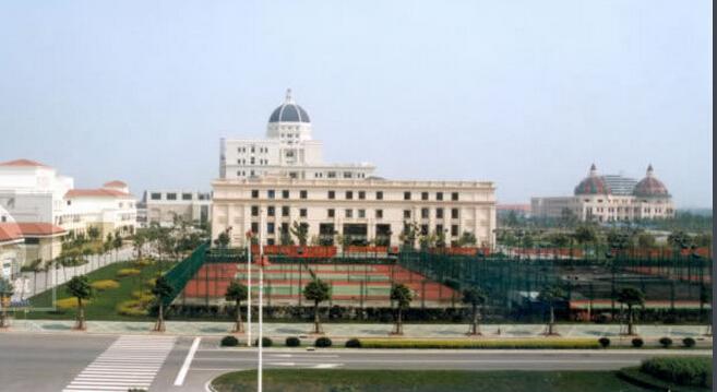 上海外国语大学松江外国语学校